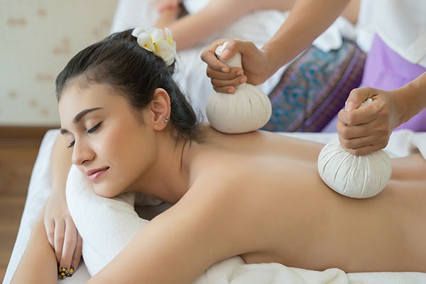 masaje de pindas, Yoga Ópalo