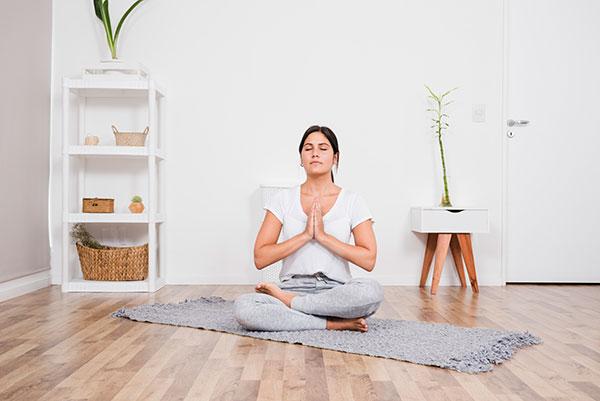 yoga y meditación en casa